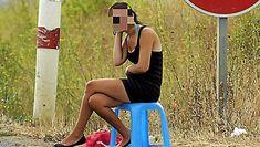 """Une contravention pouvant aller jusqu'à 1 500 €, et 3 500 € en cas de récidive, """"d'achat d'acte sexuel"""" : voilà ce que risquent depuis avril 2016 les clients des prostituées. Client, Avril, France, Early French"""