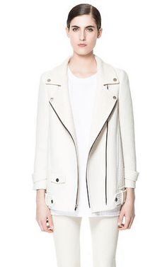 This white Zara jacket is perfect for the spring. (And maybe fall, too.)
