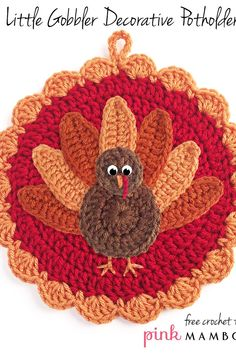 The Little Gobbler Thanksgiving Decoration is an adorable turkey pattern that would look great hanging in your kitchen or dining area. This free crochet pattern would also be perfect to add to your Thanksgiving table decor to complete your spread. Thanksgiving Crochet, Thanksgiving Projects, Thanksgiving Decorations, Thanksgiving Table, Thanksgiving Jokes, Crochet Pumpkin, Crochet Fall, All Free Crochet, Crochet Crafts