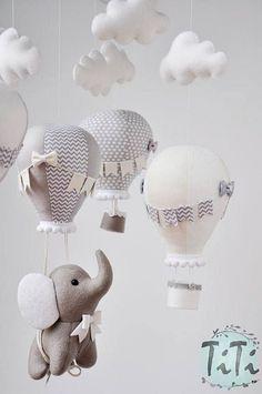 Elephant baby mobile felt baby mobile hot air balloon mobile balloon mobile felt elephant elephant balloon mobile taupe gray and ivory 2019 Elefantenbaby mobile Filz Babymobile mobile Heißluftballon