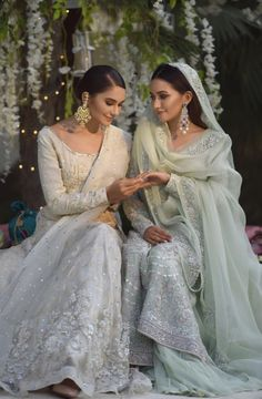 Pakistani Wedding Outfits, Pakistani Wedding Dresses, Bridal Outfits, Indian Dresses, Wedding Hijab, Indian Outfits, Nikkah Dress, Making A Wedding Dress, Bollywood