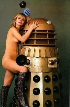 Katy Manning and Dalek. Mary Tamm, Jon Pertwee, William Hartnell, Doctor Who Companions, Elizabeth Montgomery, 3 Movie, Dalek, Great Tv Shows, Time Lords