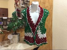 sofia katliakas shared a video Crochet Videos, Crochet Clothes, Shawl, Knitting, Sewing, Sweaters, Tops, Veronica, Women