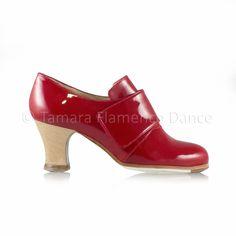 Zapato profesional de flamenco Begoña Cervera modelo Goya charol https://www.tamaraflamenco.com/es/zapatos-de-flamenco-profesionales-4