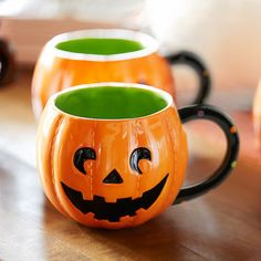 Frights & Delights-how cute are these guys. Halloween Kitchen, Halloween Home Decor, Halloween House, Fall Halloween, Happy Halloween, Halloween Decorations, Halloween Centerpieces, Halloween Dishes, Autumn Decorations