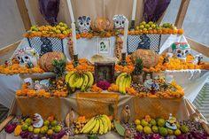 2015-11 Altar for Dia De Los Muertos Museo Textil Oaxaca Mexico. #toptravelspot #mexico #oaxaca #diasdelosmuertos #altar #skulls #marigolds #locationindependent #travel #traveling #instantraveling #instatraveling #streetphotography #travelphotography #sonyalpha