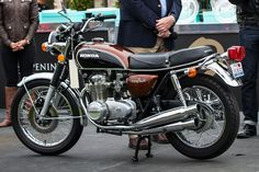 Twelve Beautiful and Rare Bikes From the Quail Motorcycle Gathering - Bloomberg Classic Honda Motorcycles, Honda Motorbikes, Honda Bikes, Racing Motorcycles, Vintage Motorcycles, Arch Motorcycle, Womens Motorcycle Helmets, Motorcycle Girls, Motorcycle Types