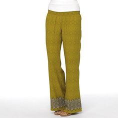 The prAna Isadora Pant is a free spirited call back to bohemian sensibilities. An intricate allover print is accented at the hem, and a full leg contributes to its relaxed fit. #Masseysoutfitters