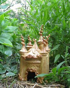I would love to have a fairy house like this in my garden! Too cute!