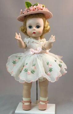 RARE-1957-388-VARIATION-WHITE-DRESS-w-EMBROIDERY-Madame-Alexander-kins