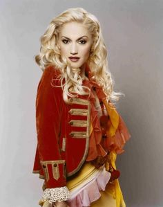 See Gwen Stefani pictures, photo shoots, and listen online to the latest music. Gwen And Blake, Gwen Stefani And Blake, Gwen Stefani Style, Gwen Stefani Pictures, Gwen Stefani No Doubt, Hollaback Girl, Her Style, Beautiful People, Beautiful Things