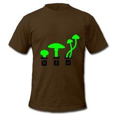 Pilze, Psylocibin Speisen Töten FliegenT-Shirts. Mushroom