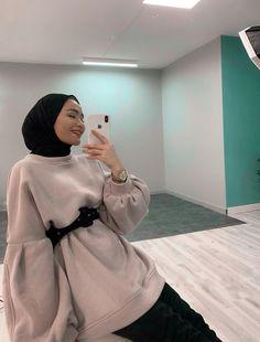 Modest Fashion, Hijab Fashion, Girl Fashion, Fashion Outfits, Casual Hijab Outfit, Ootd Hijab, Muslim Couple Photography, Head Scarf Styles, Hijabi Girl
