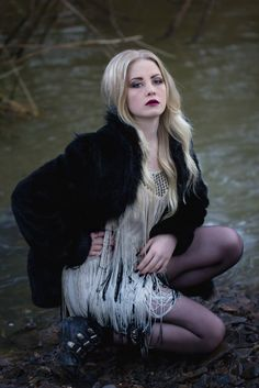 Model: Marina Ablett   MUA Kylee Kotyk   Maria Dragan Photography   www.mariadragan.com   www.mariadragan.com/blog