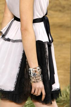 Chanel Spring 2010 Ready-to-Wear Fashion Show Details
