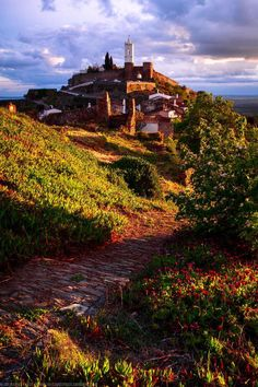 #Monsaraz fortified village and #Castle on the top of the hill #Portugal