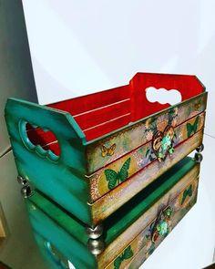Ideas Vintage, Decoupage Art, Nesting Boxes, Vintage Paris, Craft Box, Foam Cushions, Creative Crafts, Midnight Blue, Decoration