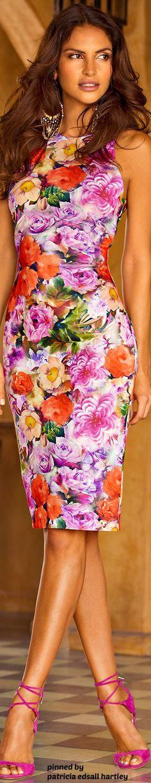 Elegant silk scarf, soft, silky, each one is original… Floral Fashion, Colorful Fashion, Fashion Dresses, Fashion Design, Fashion Trends, Pretty Dresses, Beautiful Dresses, Unique Clothes For Women, Mode Style