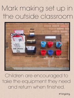 Mark making resource set up in my outdoor classroom. Use plastic jugs, label with pics, hang on hooks, easy clean up for teacher at the end of the day Writing Area, Writing Station, Writing Table, Outdoor Learning Spaces, Outdoor Education, Early Education, Eyfs Classroom, Outdoor Classroom, Reception Classroom Ideas