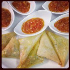 Triangles de scampis aux épices et ratatouille de tomates