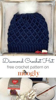 Diamond Crochet Hat - Free Pattern on Moogly (with Matching Cowl)! The Diamond Crochet Hat is the companion to the Diamond Crochet Cowl! With its super stretchy brim and classic look, you'll love this free crochet hat pattern! Crochet Hat Tutorial, Crochet Beanie Pattern, Crochet Mittens, Crochet Gloves, Mittens Pattern, Knitted Hats, Slouch Hats, Scarf Crochet, Doilies Crochet