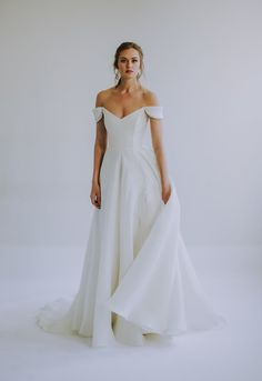 See the Spring 2020 wedding dresses from Leanne Marshall bridal Western Wedding Dresses, Classic Wedding Dress, Stunning Wedding Dresses, Wedding Dress Styles, Bridal Dresses, Wedding Dresses With Slit, Wedding Dress Simple, Western Weddings, Minimalist Gown
