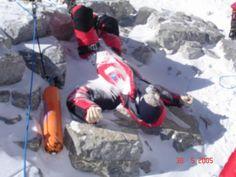 Enquanto isso, lá no Everest…