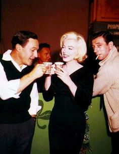 Gene Kelly, Marilyn Monroe e Yves Montand on the set of 'Let´s make love' (George Cukor,1960)