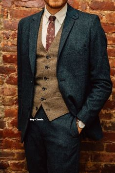Rock a dark green wool suit with a brown wool waistcoat for a refined yet off-du - Fall Shirts - Ideas of Fall Shirts Fall Shirts for sales. - Rock a dark green wool suit with a brown wool waistcoat for a refined yet off-duty ensemble. Tweed Wedding Suits, Tweed Suits, Tweed Vest, Wedding Men, Vintage Wedding Suits, Mens Tweed Suit, Mens Wool Suits, Mens Suits Style, Tweed Groom