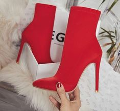 29 Simple Street Style Shoes To Wear Now Of The Best Fashion High Heels 2018 🎯styles 💃🏽 High Heel Boots, High Heel Pumps, Heeled Boots, Bootie Boots, Shoe Boots, Boot Heels, Shoes High Heels, Sock Boots Outfit, Stiletto Heels