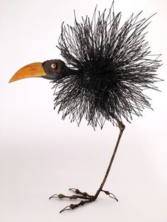 Tom Hill's Playful Sculptures of Birds M. - Tom Hill's Playful Sculptures of Birds Made of Wires and Wood Metal Yard Art, Metal Tree Wall Art, Scrap Metal Art, Sculptures Sur Fil, Animal Sculptures, Wire Art Sculpture, Metal Sculptures, Abstract Sculpture, Bronze Sculpture