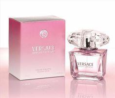 Perfume Importado Bright Crystal, Versace 90ml EDT  3.0 FL.OZ. - Made in Italy  Una mezcla de sensualidad, la transparencia del cristal y de la luz: Versace Bright Crystal, una preciosa joya de rara belleza caracterizada por una fresca, vibrante y visual esencia floral.O de Versace Bright Crystal está inspirada en la mujer Versace, luz, moderno y super sexy con un toque de excentricidad. Su frasco se inspira en la riqueza y el lujo.