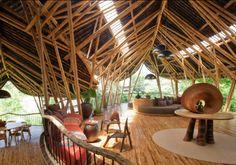 エローラ・ハーディー率いるデザイン集団IBUKUがTEDでプレゼンテーションしたバリ島の竹でできた建築グリーン・ビレッジ_5