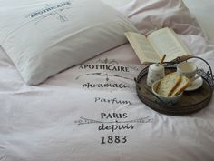I like white colour in bedroom. Diy Bed Linen, Linen Bedding, Parfum Paris, Colour, Bedroom, Apothecary, Linen Sheets, Color, Diy Bed Sheets