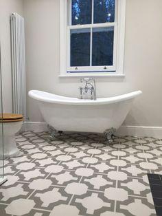 Bathroom Flooring Ideas - Rubber & Vinyl by Harvey Maria White Hallway, White Walls, Wimborne White, Bathroom Pictures, Bathroom Ideas, Upstairs Bathrooms, Grey Bathrooms, Grey Flooring, Flooring Ideas