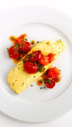 This ricotta omelet recipe also makes a great dinner for one. Just cut the ingredients in half and you're ready to go. Breakfast for dinner? Heck yes. Quick Egg Recipes, Brunch Recipes, Cooking Recipes, Breakfast Recipes, Homemade Breakfast, Brunch Ideas, Dinner Ideas, Gnocchi, Ricotta