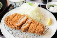It is no secret that I love tonkatsu. Sushi and sashimi are great, but if I had to choose, I would go for tonkatsu anytime.So when I was in Tokyo last year,