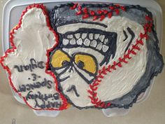 Baseball cupcake cake..... For my sons team.... 2013