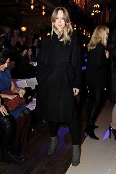 aehmagazine:www.aehmagazine.com Elin Kling, Winter Wear, Fur Coat, Street Style, How To Wear, Jackets, Instagram, Dresses, Fashion