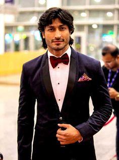 Vidyut Jamwal Height