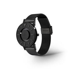 zdjęcie zegarka Bradley Black na metalowej bransolecie