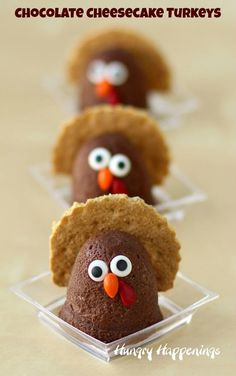 Chocolate Cheesecake Turkeys | Holiday Recipes by HungryHappenings.com