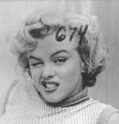 「無邪気でおかしなマリリン・モンロー」セックスシンボルの意外な表情 23選