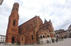 Villeneuve Sur Lot, Saint Sernin, Sainte Catherine, Empire Romain, Saint Louis, Notre Dame, Barcelona Cathedral, France, French