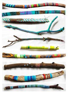 source image Dans ma maison à la mer, jaccrocherais des bois flottés en guise de tringles à rideaux et je les peindrai comme ça.