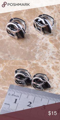 Silver with black gem stone Huggie type Earrings New Silver with black gem stone Huggie type Earrings. Jewelry Earrings