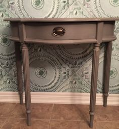 Hall table painted in a mix of #GeneralFinishes #Driftwood and #millstone