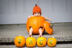 21 halloween costumes for kids/girl!Sometimes store-bought Halloween costumes just don\'t cut it. These DIY Halloween costumes for kids are easy to make and more unique. Fall Baby Pictures, Newborn Pictures, Baby Photos, Baby Pumpkin Pictures, October Pictures, Monthly Pictures, Fall Pics, Babys 1st Halloween, Halloween Fun