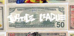 Algumas obras de arte valem muito dinheiro. Alguns personagens valem muito dinheiro. O designer Aslan-Sebastian Malik, da Alemanha, resolveu juntar todas essas ideias em uma coleção que coloca os presidentes mostrados nas notas de dólar em heróis da Liga da Justiça. Ben Franklin virou Lanterna Verde, Lincoln se tornou o Flash e por aí vai. …