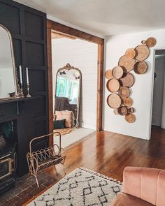 interior trends decor trends basket wall, wall decor, living room decor ideas # DIY Home Decor vintage 7 New Interior Decor Trends That Will Be Huge in 2020 by DLB Living Room Designs, Living Room Decor, Living Rooms, Decor Room, Farmhouse Side Table, Farmhouse Decor, Farmhouse Design, Interior Decorating, Interior Design